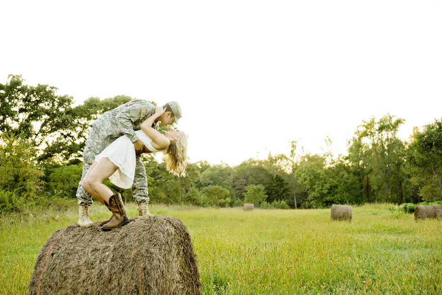 Salyers_Amos_Andie_Freeman_Photography_Samantha2BChris3DEngaged044_low
