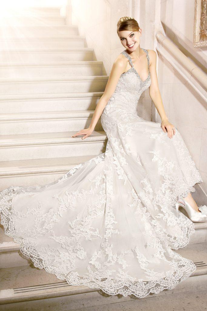 The Coordinated Bride Val Stefani J6438_A