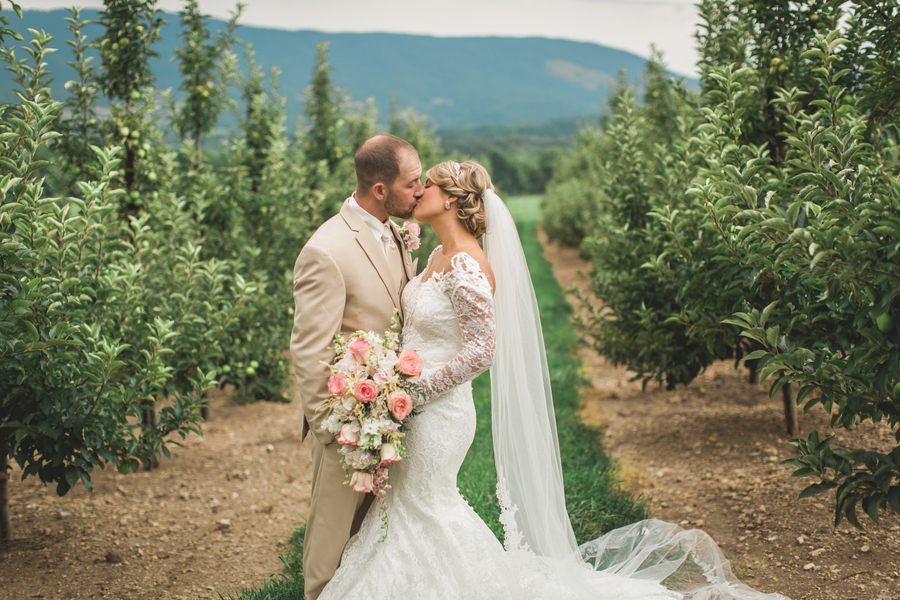 A Rustic Coral and Tan Virginia Wedding – Ashton and Josh
