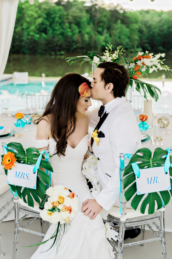 Modern Luxury Poolside Styled Shoot –  Andie Freeman Photography