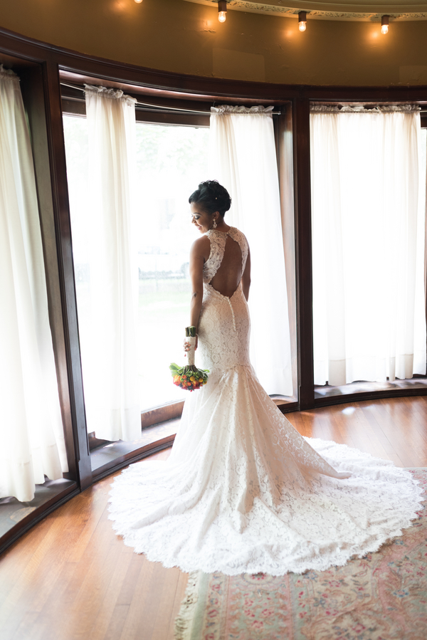the-coordinated-bride-harris_bariteau_rheawhitneyphotography_candtbridalprep112_low