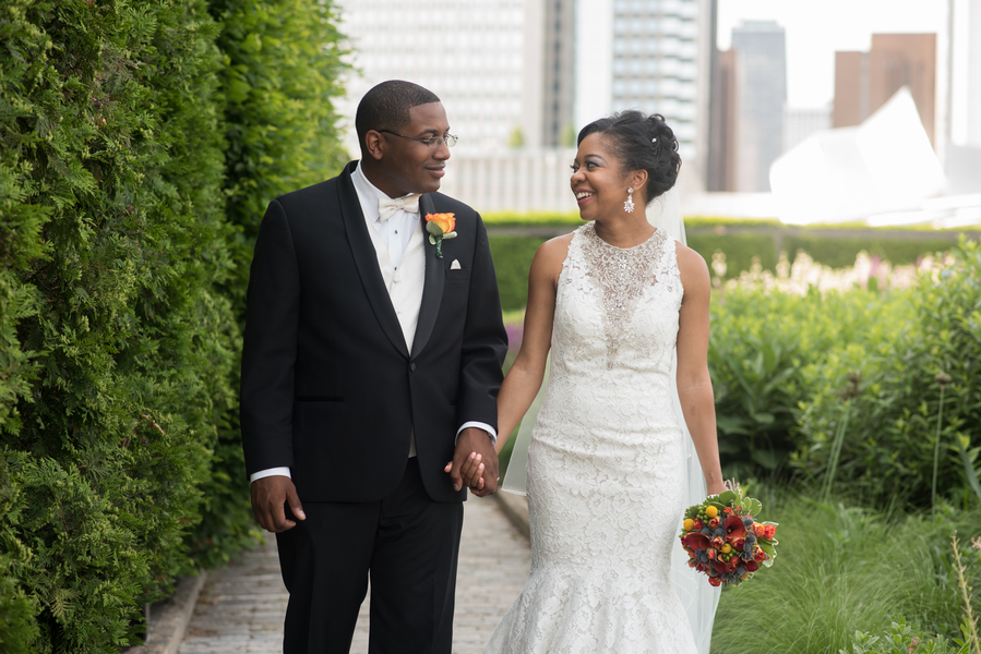 the-coordinated-bride-harris_bariteau_rheawhitneyphotography_candtbrideandgroomportrait15_low