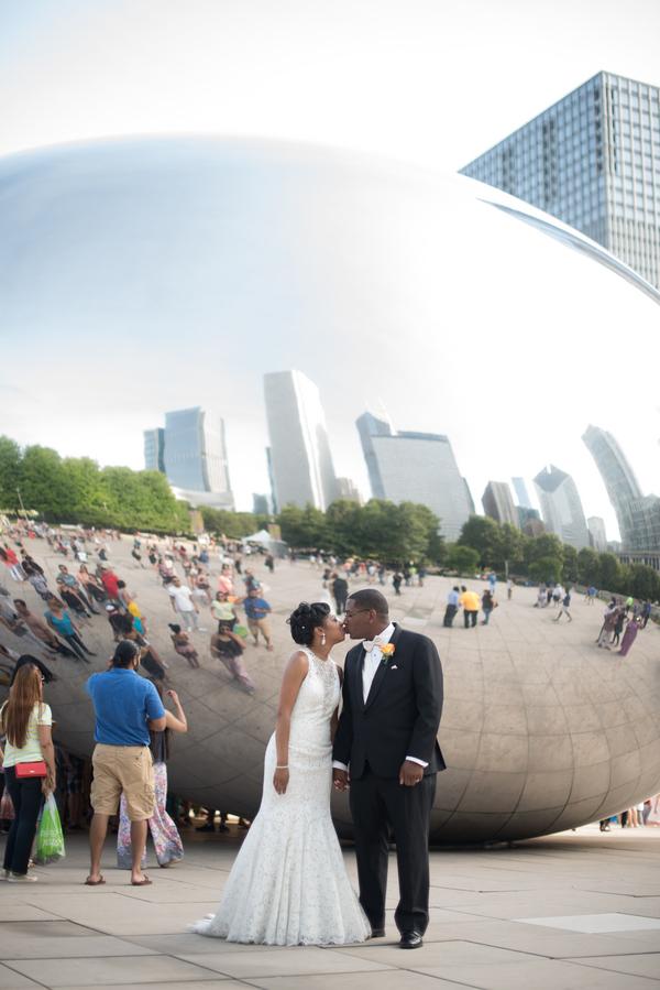 the-coordinated-bride-harris_bariteau_rheawhitneyphotography_candtbrideandgroomportrait55_low