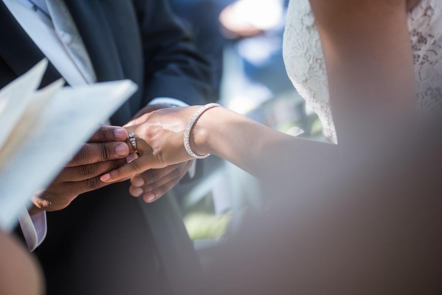 the-coordinated-bride-harris_bariteau_rheawhitneyphotography_candtceremony122_low