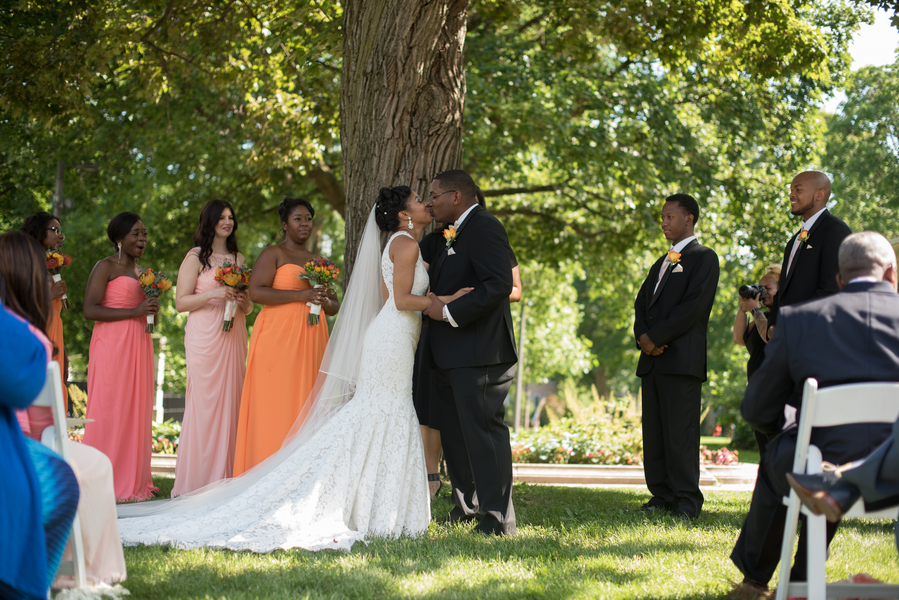 the-coordinated-bride-harris_bariteau_rheawhitneyphotography_candtceremony131_low