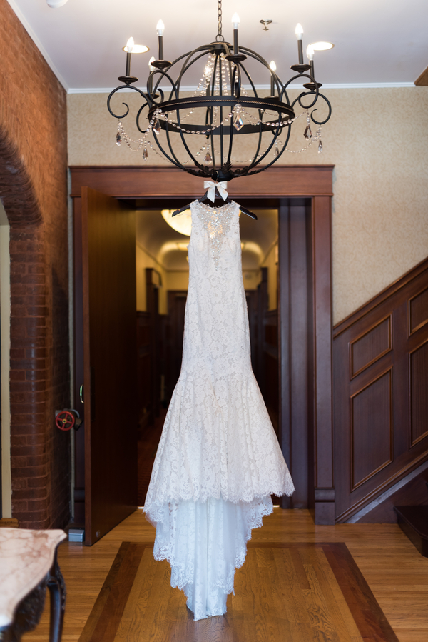 the-coordinated-bride-harris_bariteau_rheawhitneyphotography_rwp3831_low