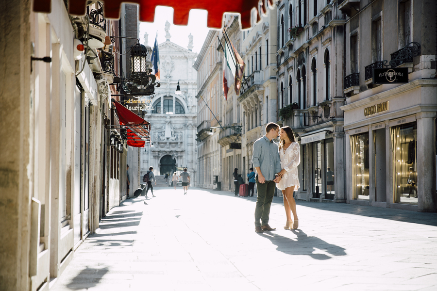 A Romantic Engagement Session in Venice, Italy