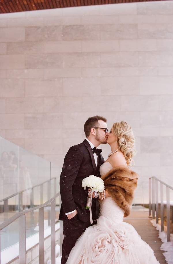 The Coordinated Bride Kennedy_Kostal_LindsayCoulterPhotography_BobbieGreg374_low