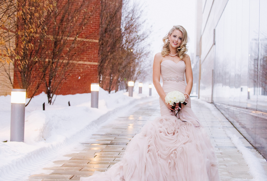 The Coordinated Bride Kennedy_Kostal_LindsayCoulterPhotography_BobbieGreg435_low