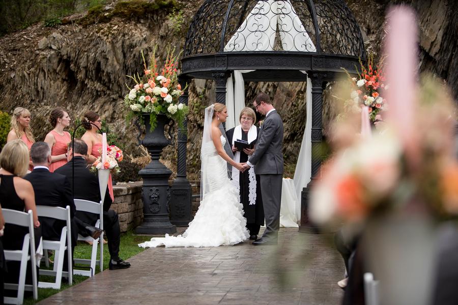 The Coordinated Bride Nichols_Mullen_TwoSticksStudios_iJ6MGSzq_low