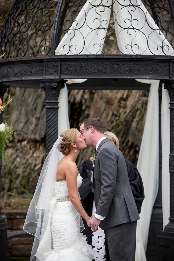 The Coordinated Bride Nichols_Mullen_TwoSticksStudios_iLmDpFc2_low