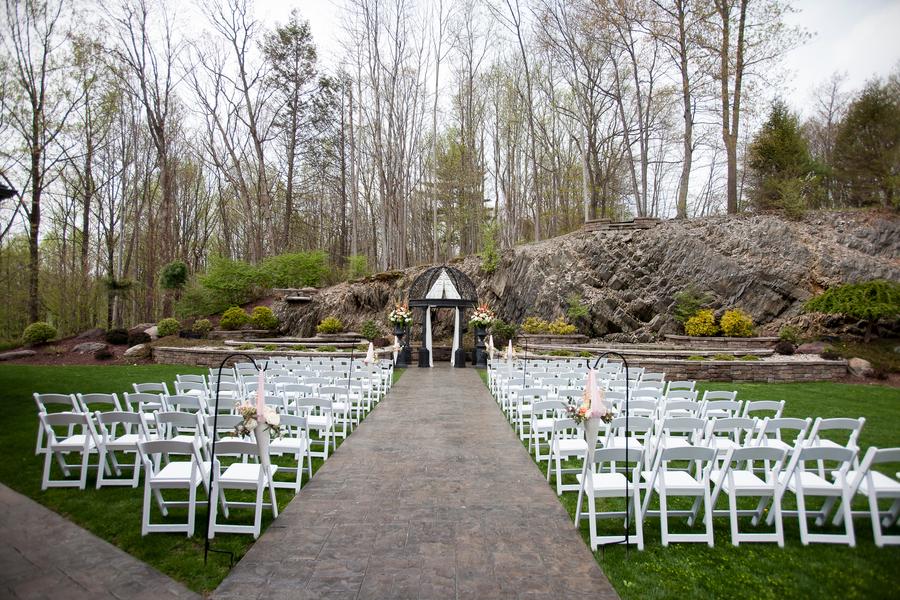 The Coordinated Bride Nichols_Mullen_TwoSticksStudios_ixxWpc9b_low