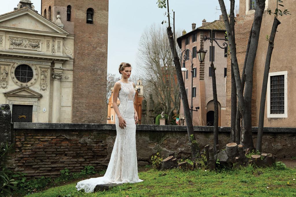 The-Coordinated-Bride-MICHAL-MEDINA-FALL-2015-S5007-03-SB
