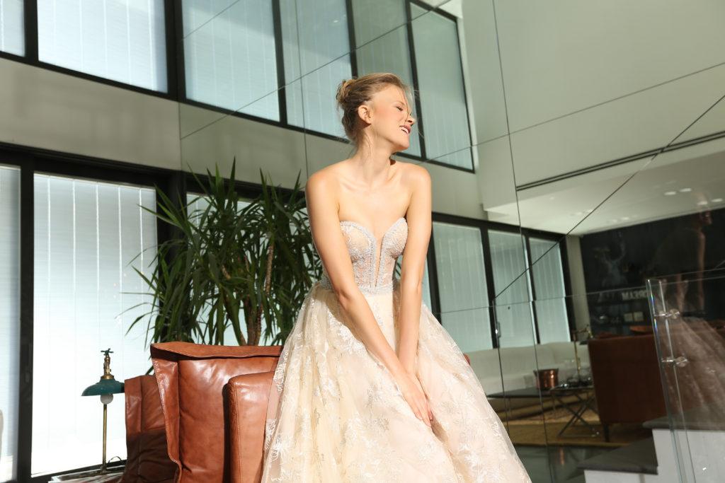 The-Coordinated-Bride-Michal Medina-Capsule-GISEL BA1702