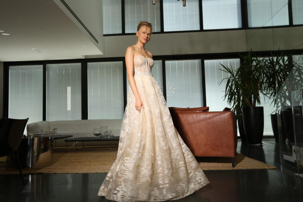 The-Coordinated-Bride-Michal Medina-Capsule-GISEL BA1702.