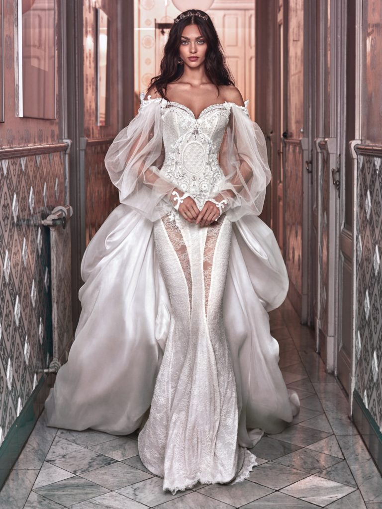 The_Coordinated_Bride_Galia_Lahav_Victorian_Afinity_Thelma and Ossie train