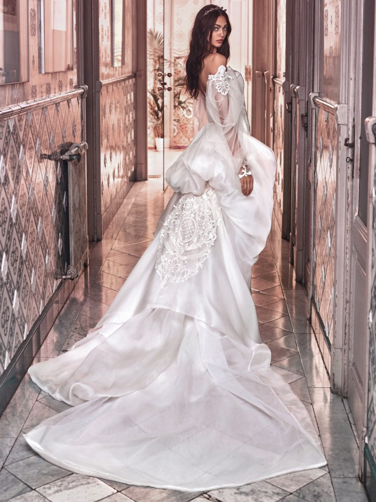 The_Coordinated_Bride_Galia_Lahav_Victorian_Afinity_Thelma and Ossie train back