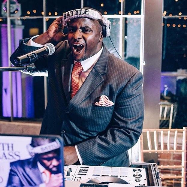 DJ Mark Battle One Sound Entertainment - Sara Wed