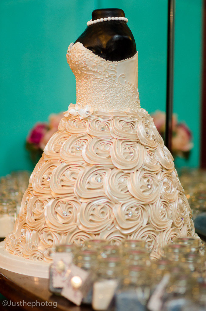 The Coordinated Bride Cake Inspiration 12