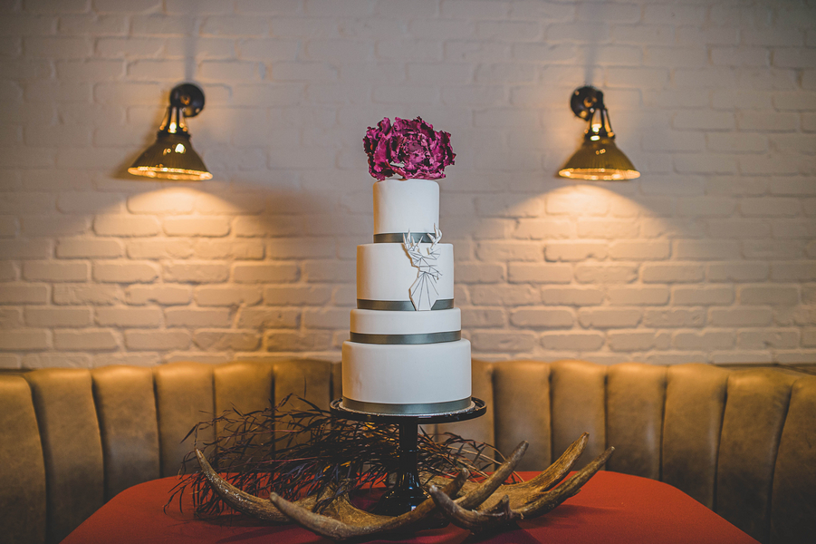 The Coordinated Bride Cake Inspiration 16