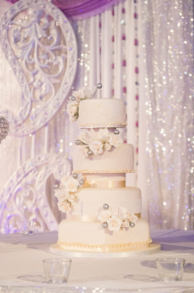 The Coordinated Bride Cake Inspiration 4