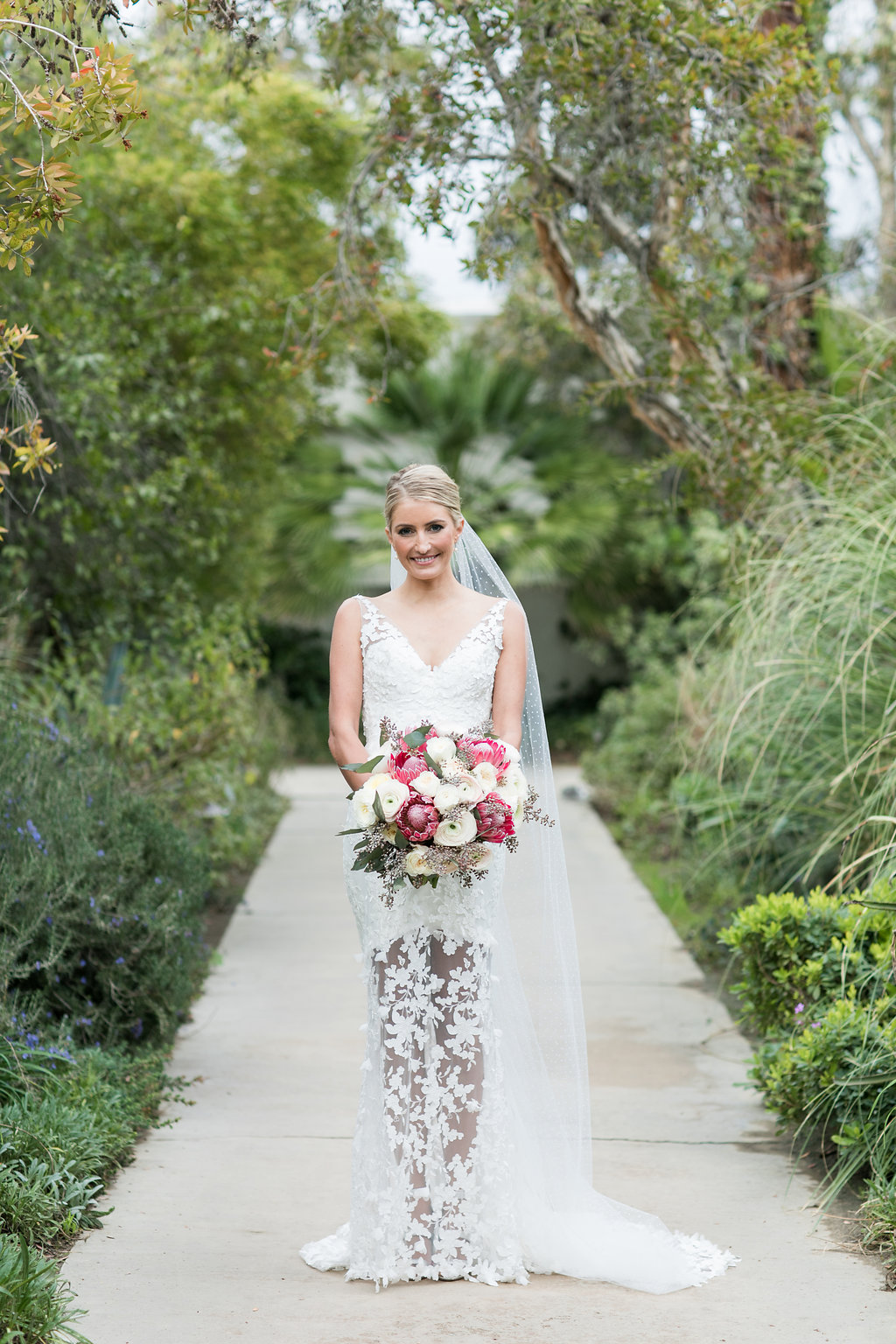 Mi Belle Photography: Bold Fashion For The Summertime Bride