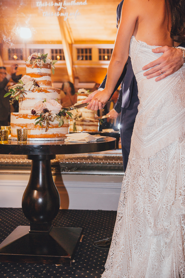 An Elegant New Jersey Barn Wedding The Coordinated Bride