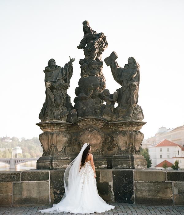Old World Romance, A Styled Shoot in the Heart of Prague