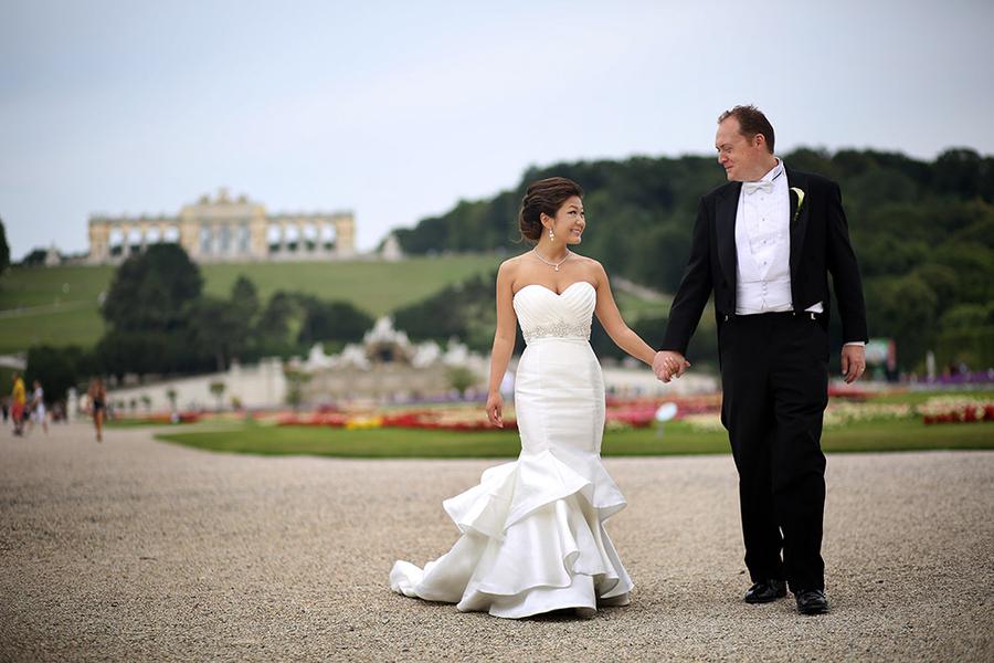 An Exquisitely Beautiful Destination Wedding in Austria