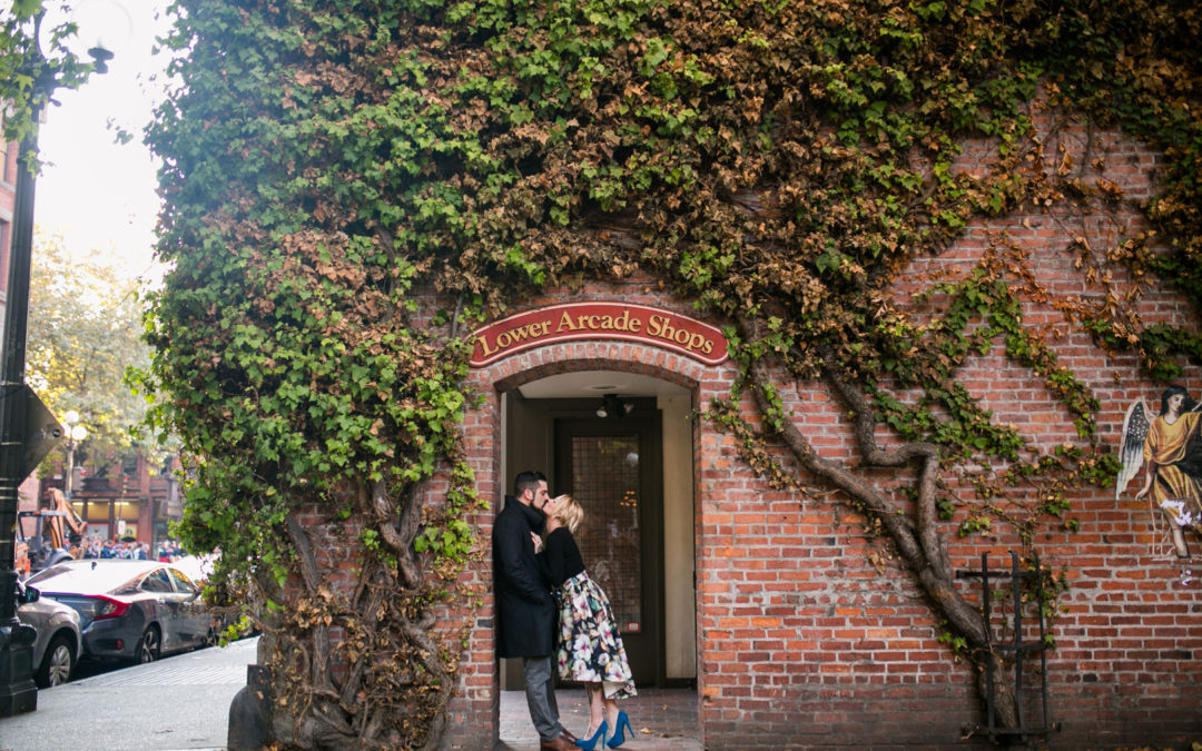 Classic Downtown Seattle Engagement Session: Charlene & Taylor